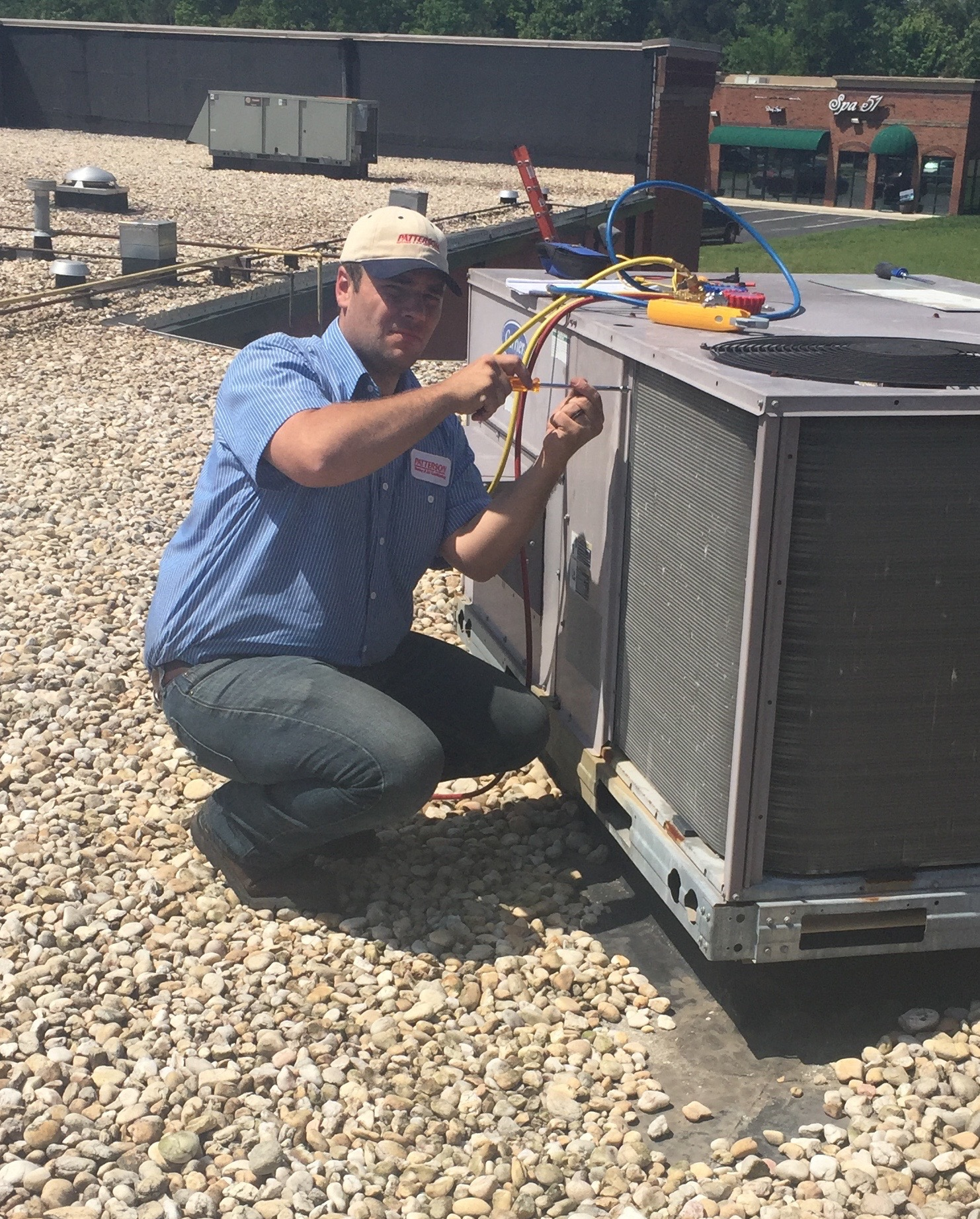 Commercial air conditioning repair and installation technician in Charlotte NC